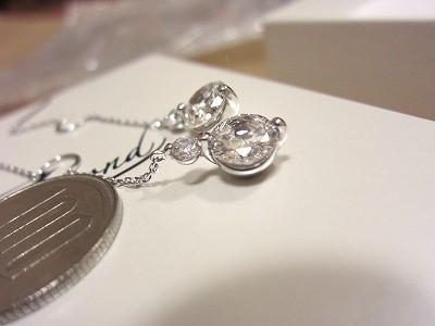 ジアモンドのアップその1:ショップチャンネルのジアモンド:シルバーダブルダイヤモンドカットCZピアス