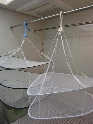 ダイソーのセーター干しネットとベルメゾンのセーター干しネット